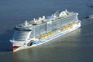 Le premier navire au GNL de Costa Croisières inauguré à Marseille