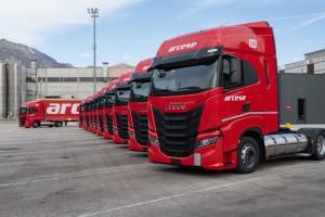 Italie : Iveco livre de nouveaux camions GNL à Arcese