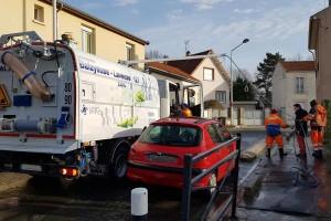 Saint-Denis : une balayeuse-laveuse au gaz naturel pour Suez