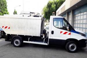 Au Kremlin-Bicêtre, un camion au gaz naturel assure la collecte des déchets