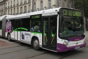 Nantes re�oit le Prix Modernisation pour ses bus GNV