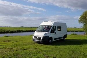 Ils transforment un Fiat Ducato GNV en camping-car pour un road-trip