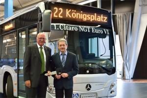 Bus GNV : la ville allemande d'Ausbourg re�oit son premier Citaro NGT