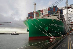 Le premier porte-conteneurs GNL de CMA-CGM en escale au Havre