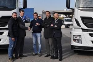 Italie � Deux Iveco Stralis GNL pour le transporteur Rainbow