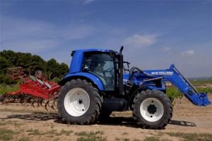 New Holland expérimente son tracteur biométhane en Espagne