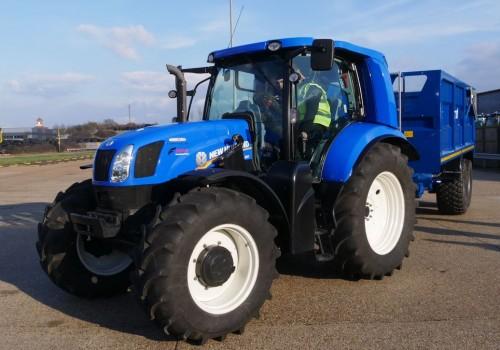 New Holland T6 Methane Power : le tracteur au biogaz qui veut rendre les fermiers autonomes