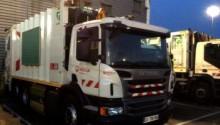 Scania livre 24 bennes à ordures ménagères au gaz à Veolia Propreté