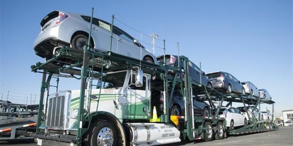 toyota exp rimente un camion porte voitures aliment au gnv. Black Bedroom Furniture Sets. Home Design Ideas