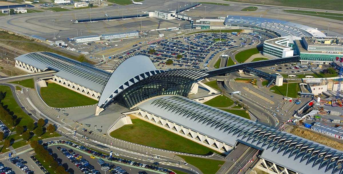 Lyon : des navettes au biogaz pour l'aéroport dès 2018