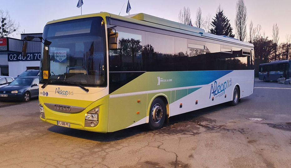 Pays de la Loire : un nouvel autocar au gaz entre en service