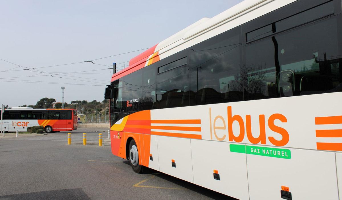 Bouches-du-Rhône : Aubagne reçoit 11 autocars au gaz naturel