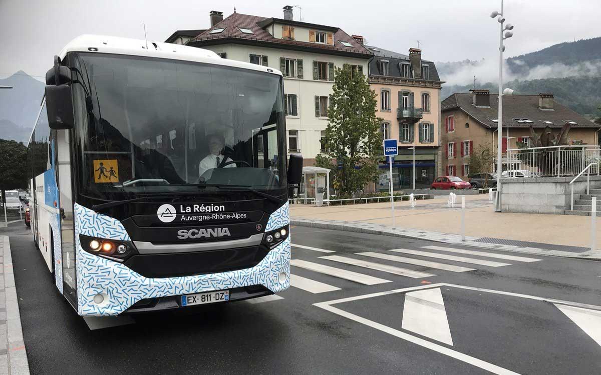 Vallée de l'Arve : un autocar GNV à l'essai au pied du Mont Blanc