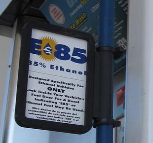 Bio�thanol issu du ma�s - Plus polluant que le carburant traditionnel ?