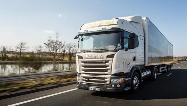Le camion GNL de Scania valide près de 1200 km d'autonomie