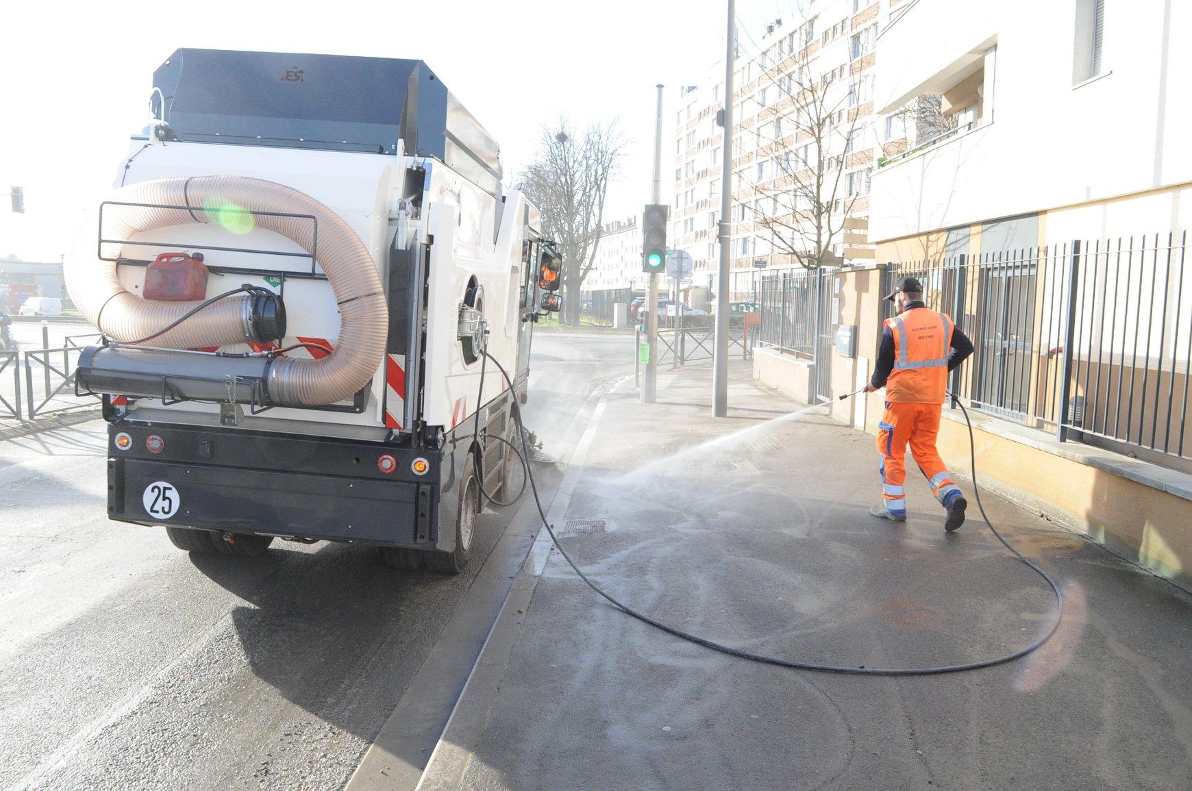 Ile-de-France : Bonneuil-sur-Marne met en service sa première balayeuse GNV