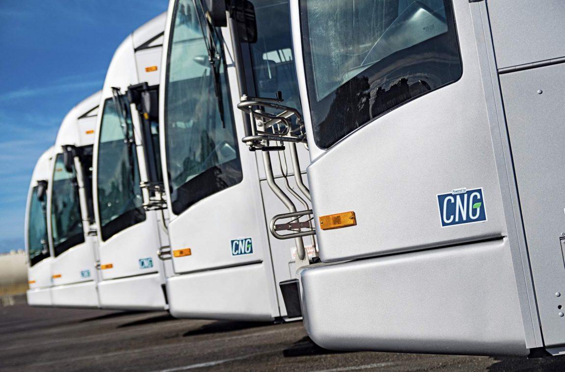 Aux Etats-Unis, les bus au gaz naturel jugés plus performants que leurs homologues électriques