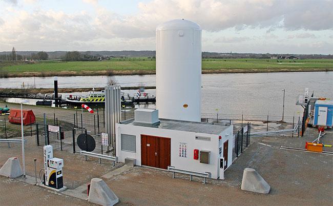 Bateaux et camions – Une station GNL multimodale ouvre ses portes aux Pays-Bas