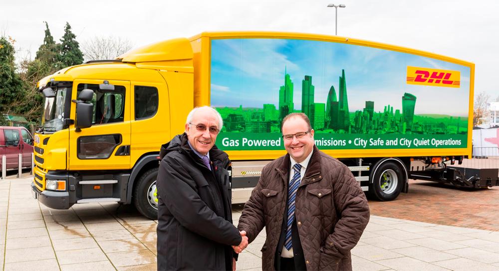 DHL lance l'expérimentation d'un camion au gaz naturel en Angleterre