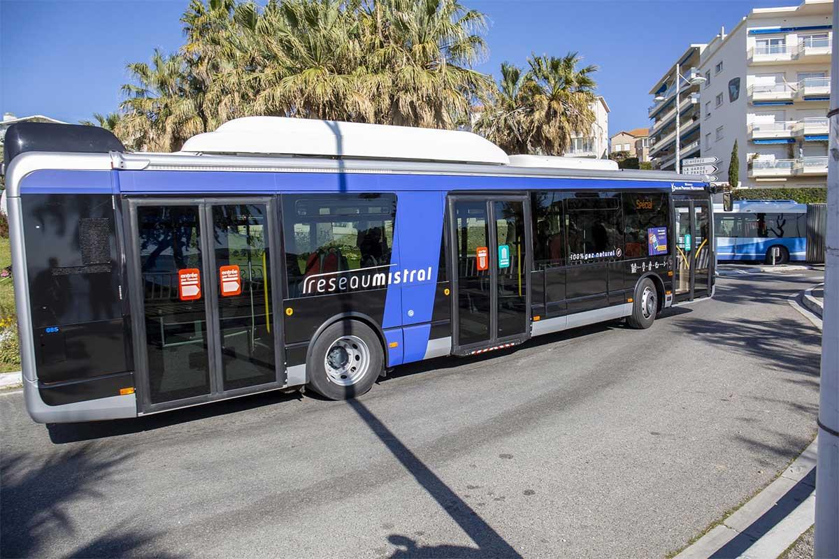 La Métropole de Toulon reçoit ses premiers bus au gaz naturel