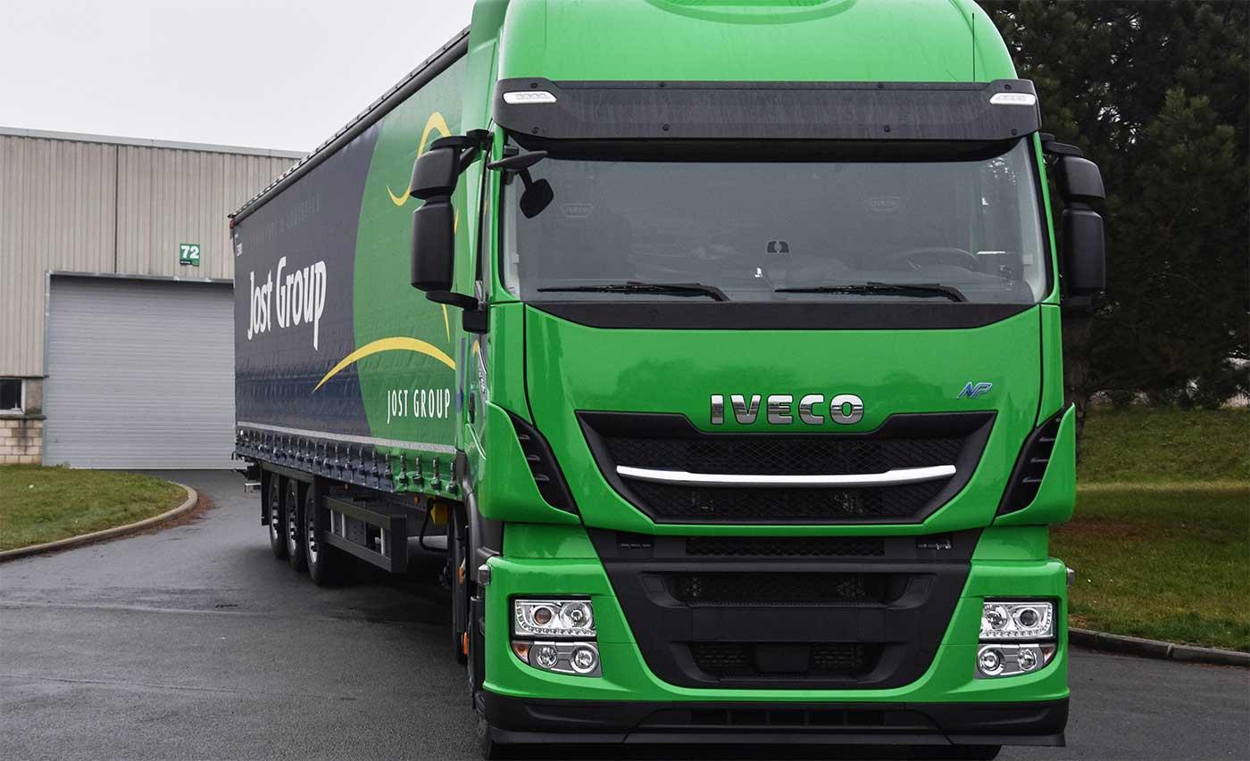 En Belgique, le groupe Jost reçoit ses 30 premiers camions au GNL