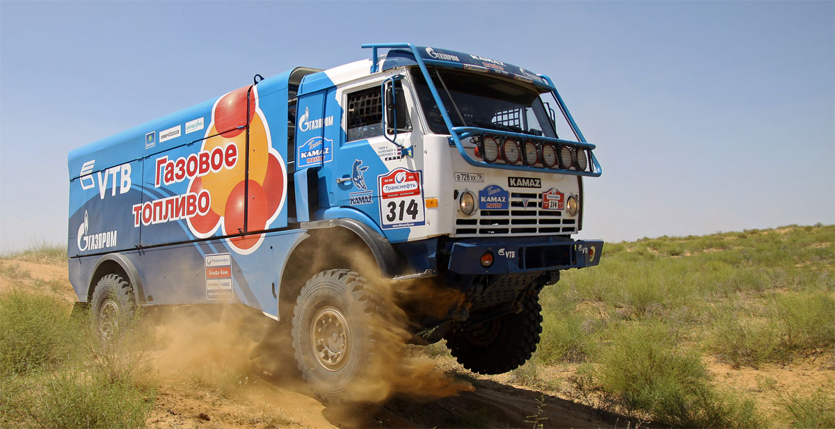 Un camion au gaz naturel au d�part de l'Africa Eco Race
