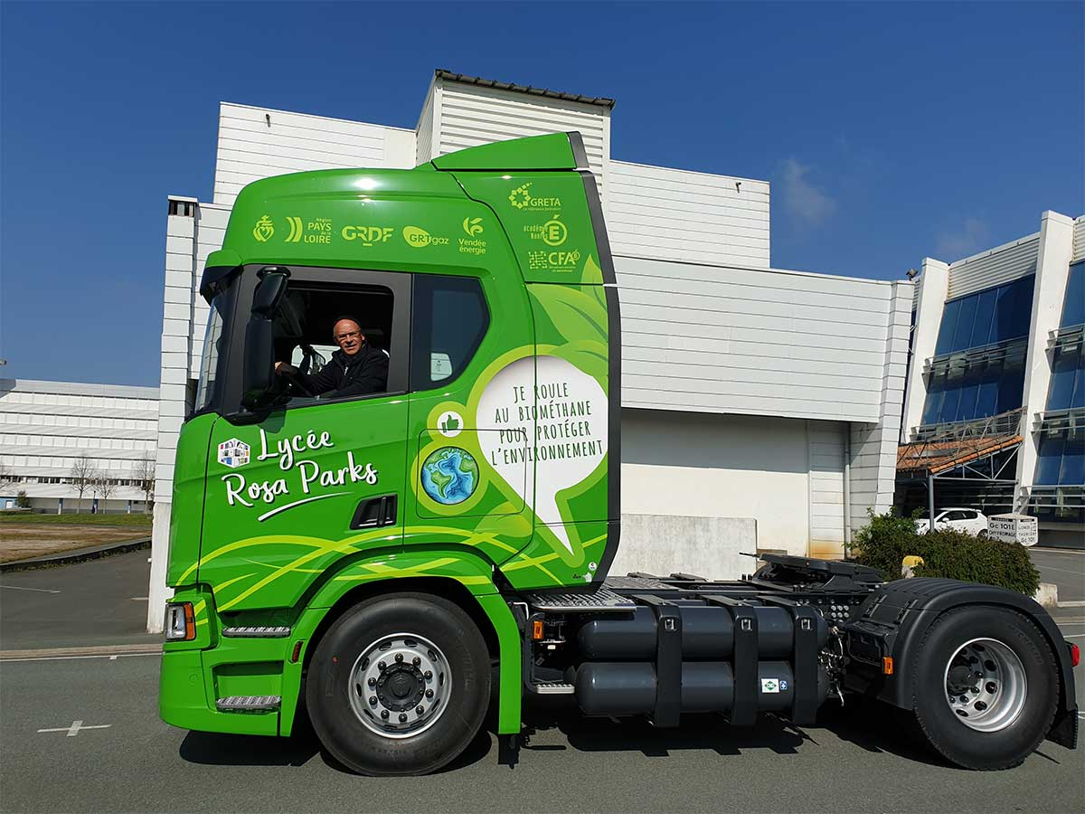 Vendée : un camion-école au GNV pour l'apprentissage des chauffeurs