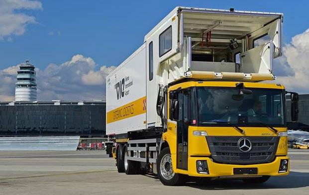 Le nouveau Mercedes Econic NGT Euro 6 livr� � l�a�roport de Vienne