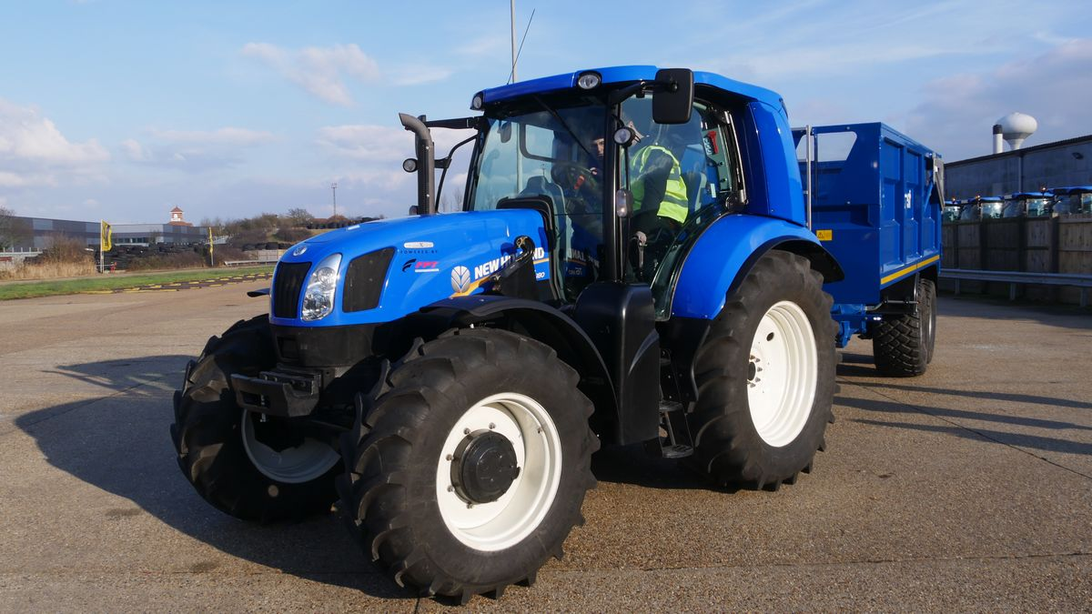 New Holland T6 Methane Power : le tracteur au biogaz qui veut rendre les fermiers autonomes