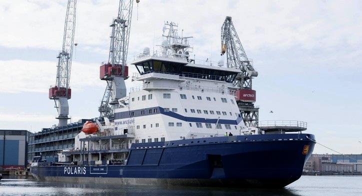 Polaris : le premier brise-glace au GNL entre en service