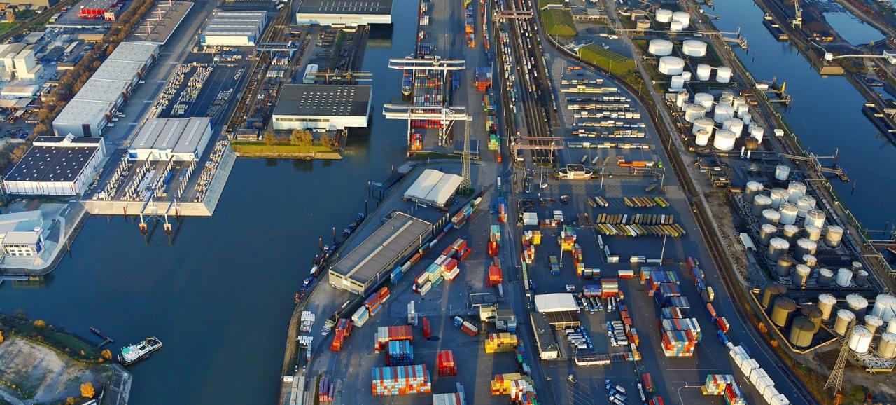 Allemagne : le port de Duisbourg veut passer du diesel au GNL