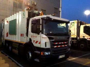 Scania livre 24 bennes � ordures m�nag�res au gaz � Veolia Propret�