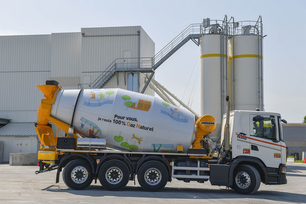 Bordeaux : Unibéton met en circulation son premier camion-toupie GNV
