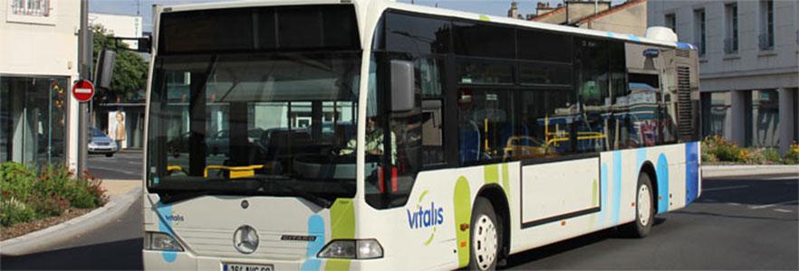 le grand poitiers re oit ses nouveaux bus au gaz. Black Bedroom Furniture Sets. Home Design Ideas