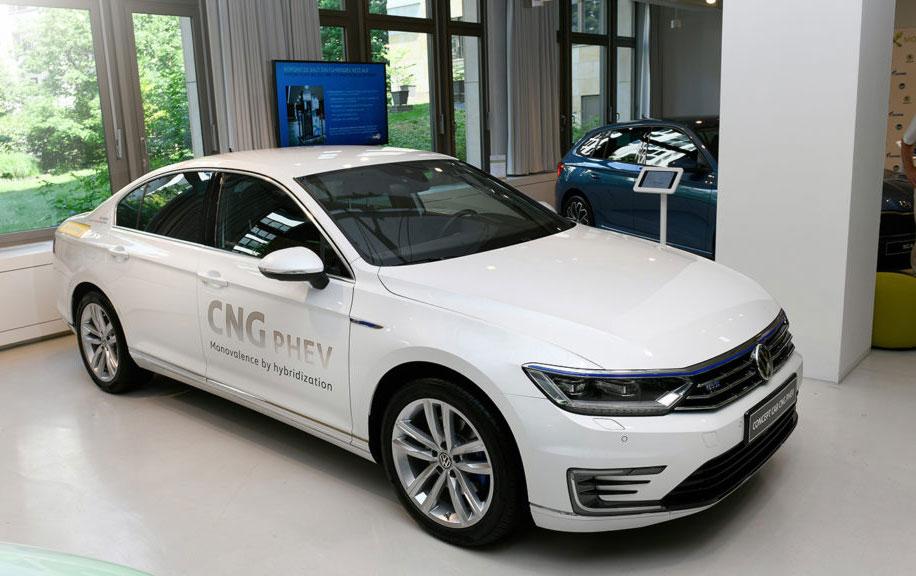 Volkswagen Passat CNG-PHEV : l'hybride rechargeable GNV en démo